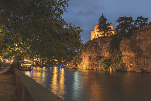 Georgia, Tbilisi, Metekhi Church and river Kura at night - KEBF01074