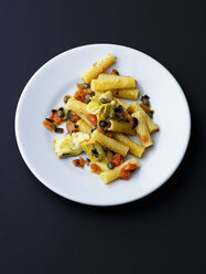 Plate of Tortiglioni with artichoke, olives, tomato and capers - PPXF00152