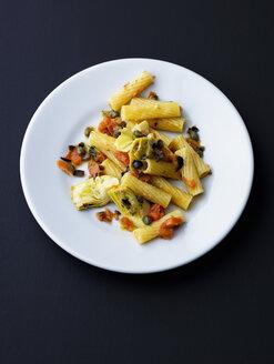 Tortiglioni Pasta mit Oliven und Artischocke - PPXF00152