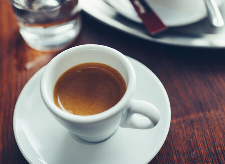 Espresso coffee cups on table - PPXF00164