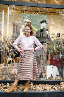 Deutschland, NRW, Köln, Fashion, Store, shopping, sales, - PESF01408