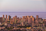 USA, Hawaii, Oahu, Pacific Ocean, Skyline of Honolulu, red sky - FOF10298
