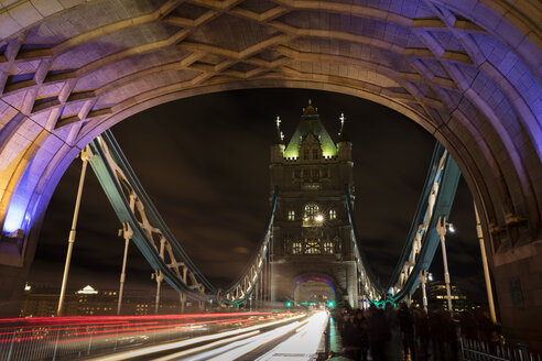 United Kingdom, England, London, Tower Bridge, traffic at night - WIF03819