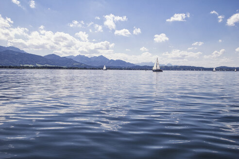 Germany, Bavaria, Chiemsee, Sailing boats - MAMF00396