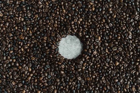 Hole surrounded by coffee beans - AFVF02378