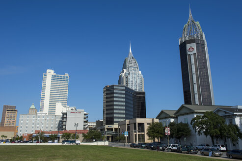 USA, Alabama, Skyline of downtown Mobile - RUNF01196