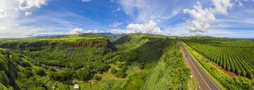 USA, Vereinigte Staaten von Amerika, Pazifischer Ozean, Hawaii, Kauaʻi, Kauai, Hanapepe Valley Lookout, Hanapepe River und Kaumualii Highway, Aerial View - FOF10375