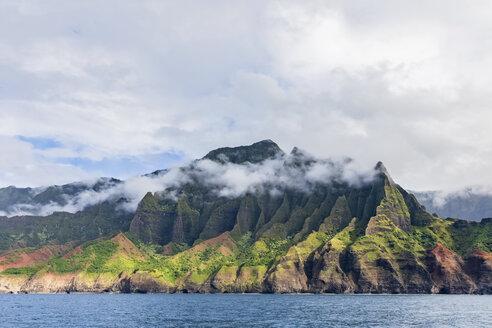 USA, Hawaii, Kauai, Na Pali Coast State Wilderness Park, Na Pali Coast - FOF10401