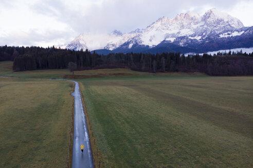 Austria, Oberndorf, enjoying morning view on the mountains - PSIF00235