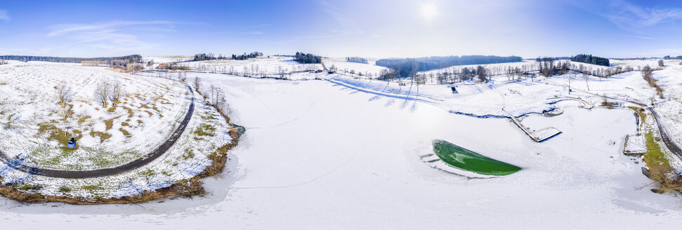 Luftaufnahme, Winter am Aichstruter Stausee, Schwäbischer Wald, Rems-Mur-Kreis, Baden Württemberg, Deutschland - STSF01840