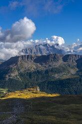 Italy, Veneto, Dolomites, San Pellegrino Pass - LOMF00808
