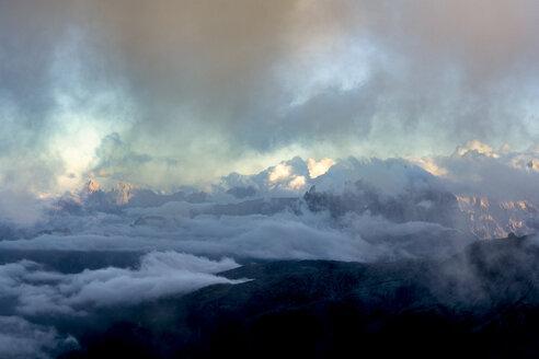 Italy, Veneto, Dolomites, Alta Via Bepi Zac, Sunset - LOMF00820