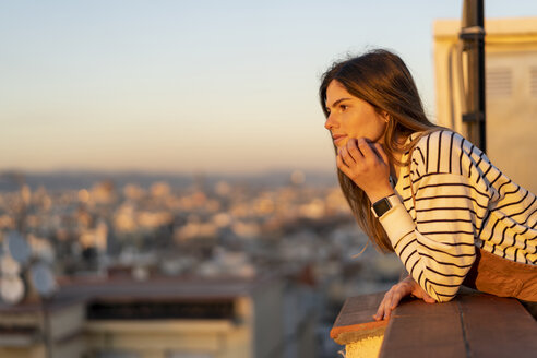 Barcelona, Spain. Young happy beautiful woman - AFVF02415
