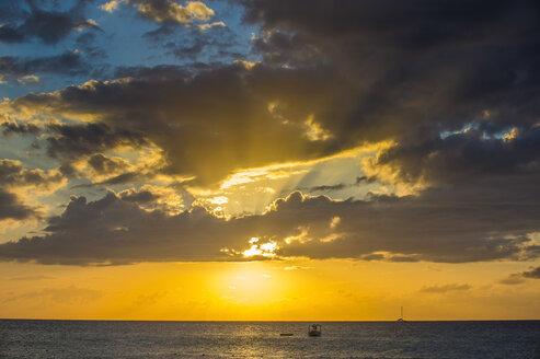 Jamaica, Negril, Seven mile beach, sunset - RUNF01311