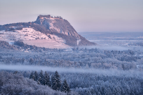 Germany, Baden-Wuerttemberg, Konstanz district, Hegau volcano Hohentwiel in winter in morning light - ELF02009