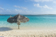 Caribbean, Bahamas, Exuma, turquoise waters and a white sand beach - RUNF01330