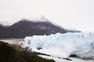 Argentina, Patagonia, Broken ice from glacier in Perito Moreno Glacier - IGGF00783