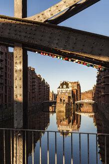 Germany, Hamburg, Old Warehouse District and Wasserschloss - WDF05120