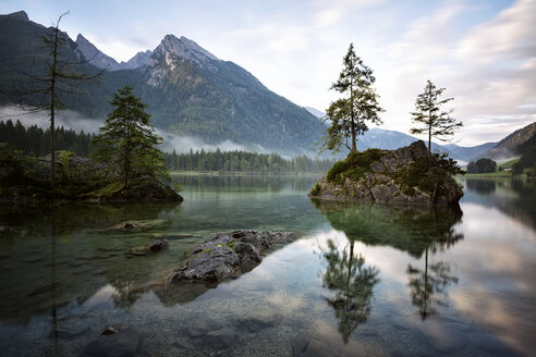 Germany, Bavaria, Ramsau, Hintersee - DLF00026