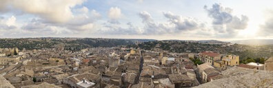 Italy, Sicily, Modica, townscape, panorama at dusk - MAMF00428