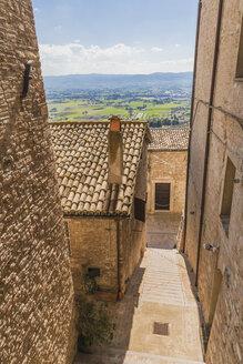 Italy, Umbria region, Perugia province, Assisi, city street - FLMF00152