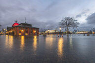 Germany, Hamburg, Altona, fish market at high water - KEBF01193