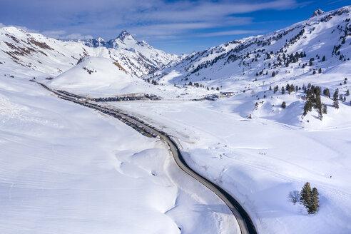 Austria, Vorarlberg, Allgaeuer Alps, winter at Hochtannberg Pass - STSF01856