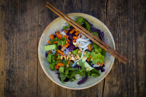 Glass noodle salad  with pak choi, carrot, red cabbage and peanuts, from above - LVF07843