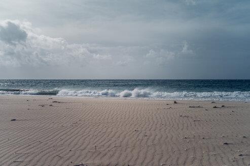 Spain, Tarifa, view from beach to the sea - OCMF00290