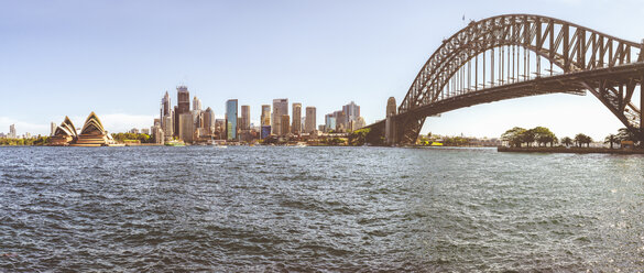 Australia, New South Wales, Sydney, panoramic of Sydney with the bridge, harbor, financial district and the Opera house - KIJF02341