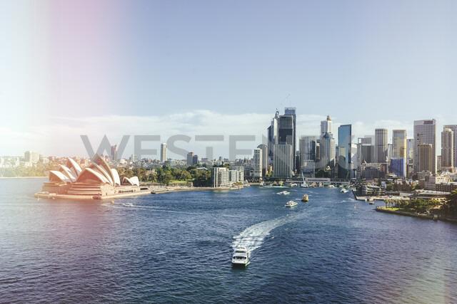 Australia, New South Wales, Sydney, Sydney Harbor landscape with the Opera house - KIJF02344 - Kiko Jimenez/Westend61