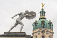 Germany, Berlin-Charlottenburg, Charlottenburg Palace, sword fighter statue - KEBF01212