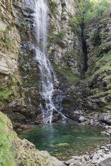 Switzerland, Ticino, Redorta Valley, Froda waterfall - GWF05971
