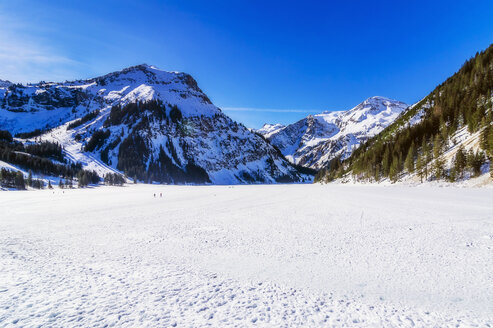 Austria, Tyrol, Tannheim Valley in winter - THAF02489