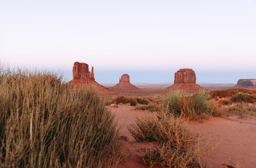 USA, Utah, Navajo Nation, Monument Valley - GEMF02874