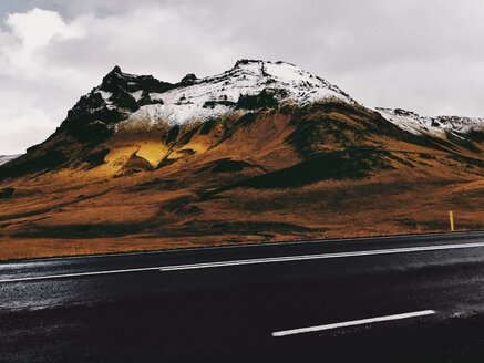 Iceland, Ring Road No. 1, Fall Colors and First Snow on Mountain - JUBF00334