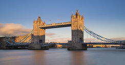 UK, London, Tower Bridge in evening sun - MKFF00445