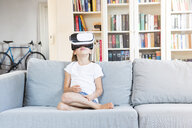 Girl using virtual reality glasses - LVF07861