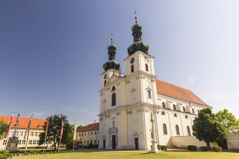 Austria, Burgenland, Frauenkirchen, basilica Maria Geburt - AIF00611