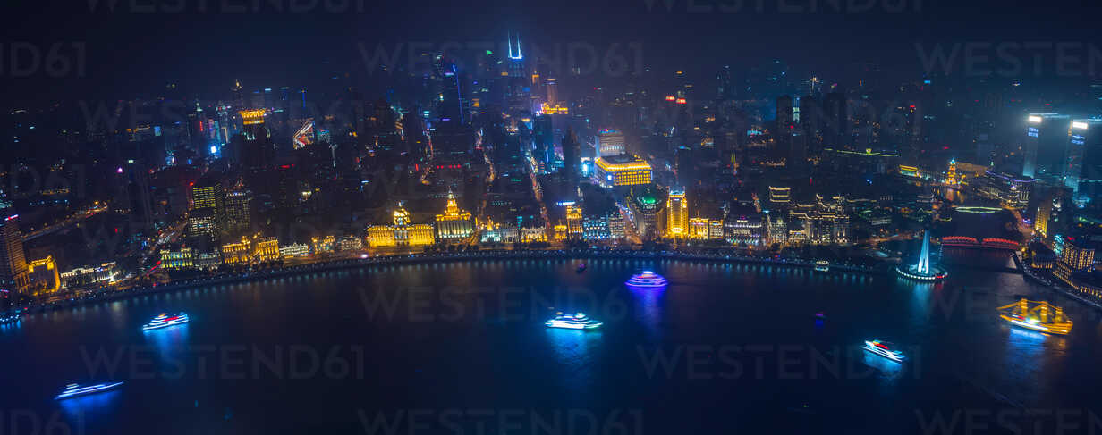 Bund and Huangpu river at night, high angle panoramic view,  Shanghai, China - CUF49859 - Henglein and Steets/Westend61