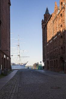 Germany, Mecklenburg-Western Pomerania, Stralsund, Harbour, Sail training ship Gorch Fock, museum ship - MAMF00504