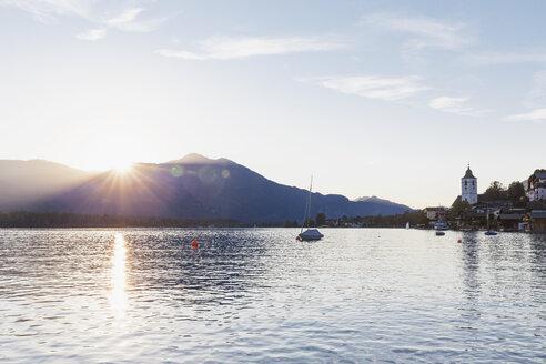 Austria, Alps, Salzburg, Salzkammergut, Salzburger Land, sunset at Wolfgangsee and St. Wolfgang - GWF06009