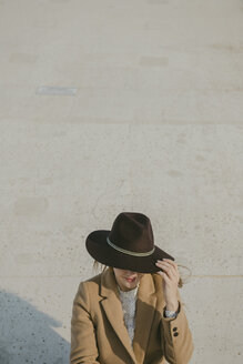 Young hipster woman with a hat - AHSF00048