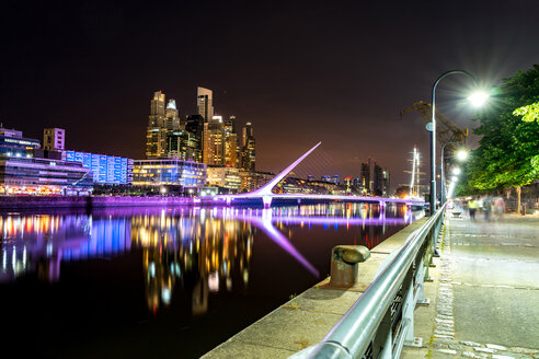 Argentina, Buenos Aires, Puerto Madero, view on modern architecture at night - SPCF00382