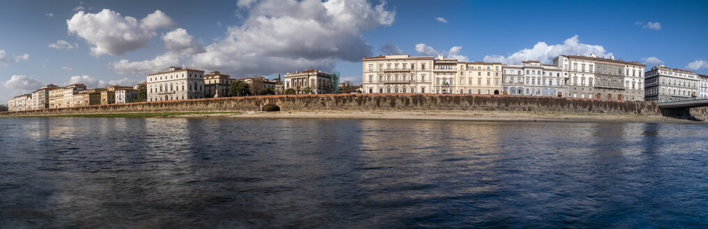 Italy, Tuscany, Florence, Arno riverside, panoramic view - LAF02256
