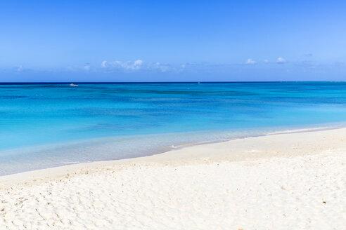 Weißer Sandstrand, Cockburn Town, Grand Turk Island, Turks- und Caicosinseln, Mittelamerika - MABF00529