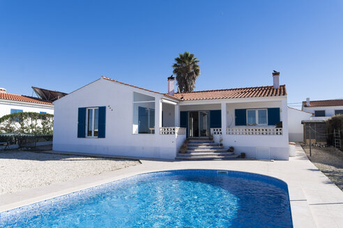 Portugal, Mediterranean house with swimming pool - SBOF01904