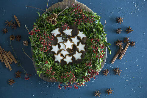 Selfmade Advent wreath, box twigs, rosehip, star anise, cinnamon sticks, walnuts and almonds - ASF06310