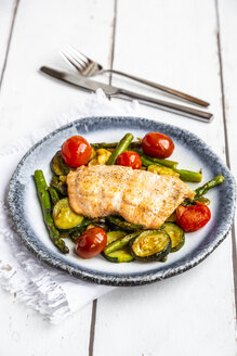 Coalfish fillet on zucchini, green asparagus and tomato, low carb - SARF04201