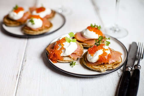 Russian style blini with salmon, sour cream and trout roe - SBDF03916